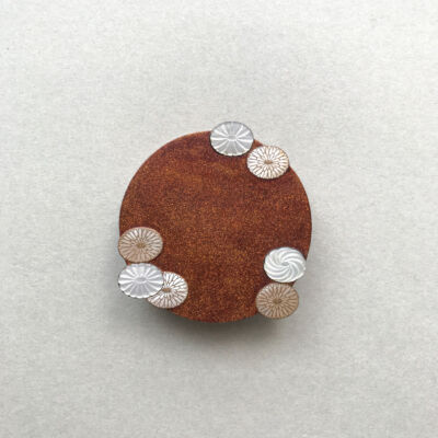 Wear the scenery chrystanthemum brooch